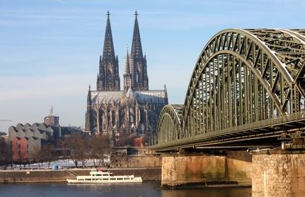 Singles Dresden Facebook Augsburg, Mit den augen flirten ex : Cpm-drehtechnik