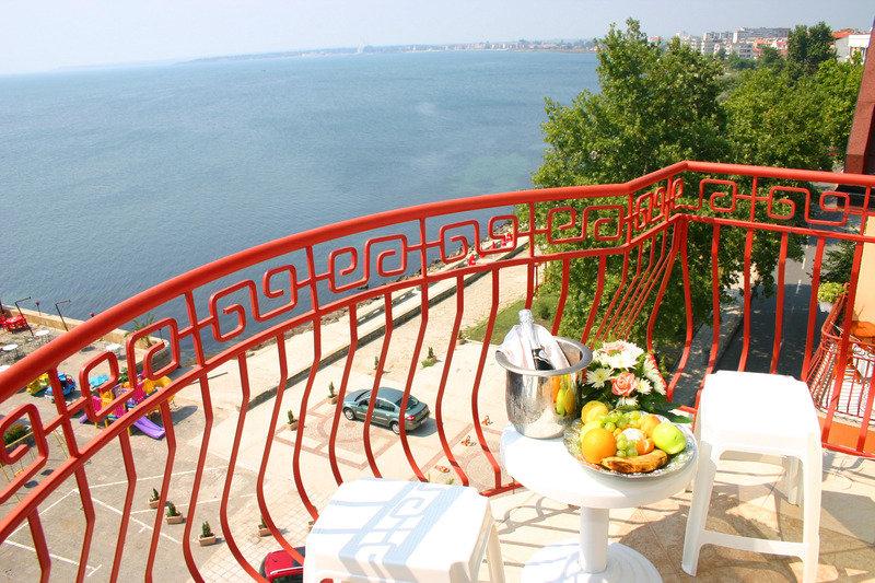 Saint George Hotel & Spa in Pomorie, Riviera Süd (Sonnenstrand) Terasse
