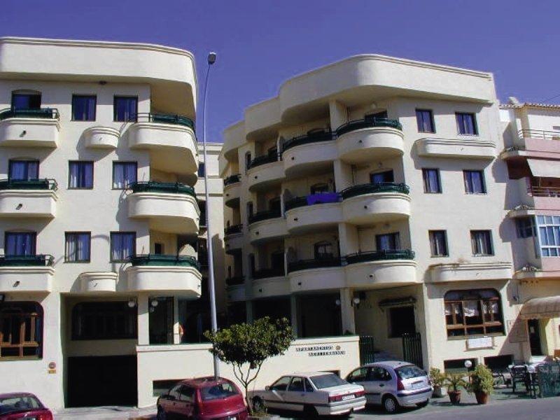 Apartamentos Mediterráneos in Nerja, Costa del Sol Außenaufnahme