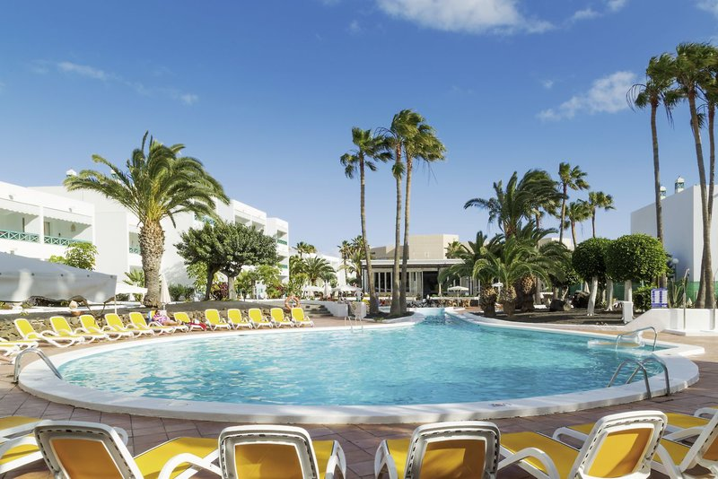 Oasis Lanz Beach Mate in Costa Teguise, Lanzarote Pool