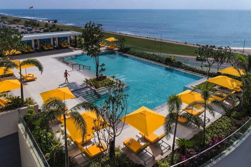 Shangri-La Hotel Colombo in Colombo, Sri Lanka Pool