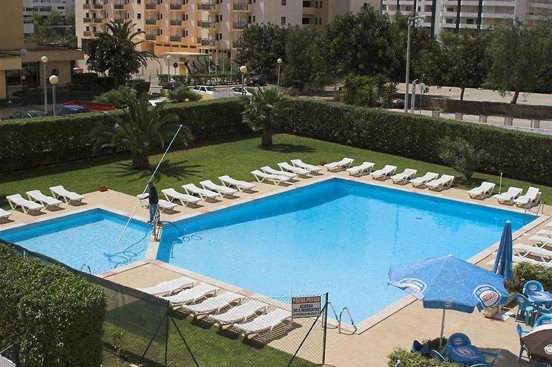 Apartamentos Castelos da Rocha in Portimão, Algarve Pool
