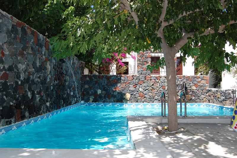 Beach Boutique Hotel in Kamari, Santorin Außenaufnahme