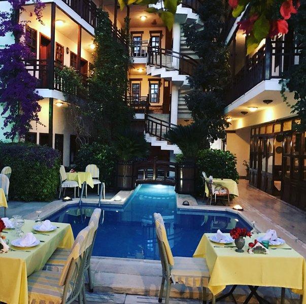Karyatit Hotel in Antalya, Türkische Riviera Terasse