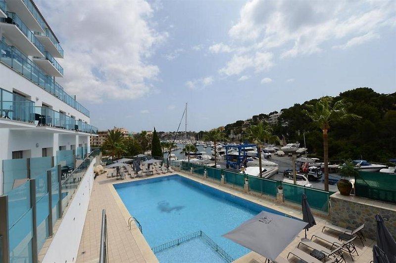 Aparthotel Portodrach in Porto Cristo, Mallorca Pool