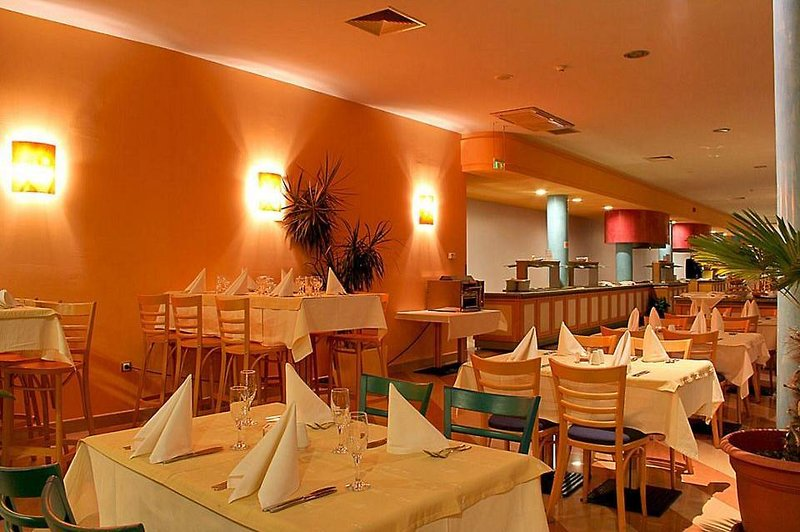 Hotel Balneo & Spa Azalia in Sweti Konstantin, Riviera Nord (Goldstrand) Restaurant