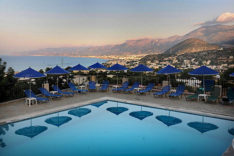 Bella Vista Apartments in Stalida, Kreta Pool