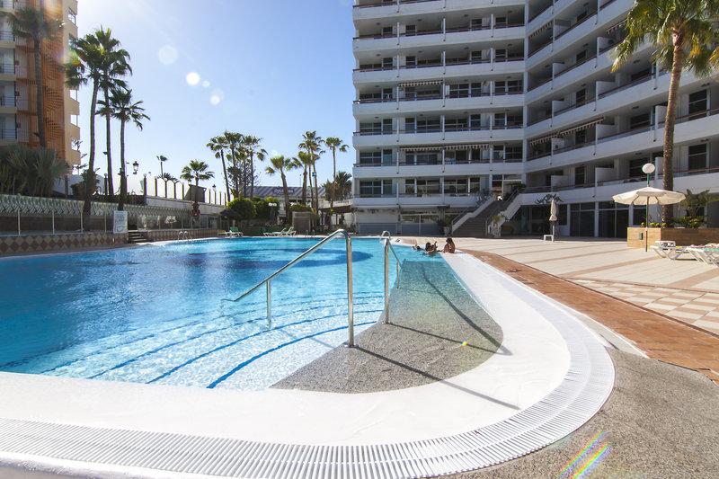 Corona Blanca in Playa del Inglés, Gran Canaria Pool