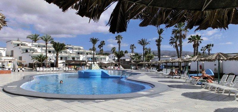 Vista Oasis Bungalows in Maspalomas, Gran Canaria Pool