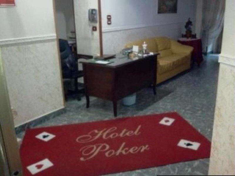 Poker in Neapel, Golf von Neapel Wohnbeispiel
