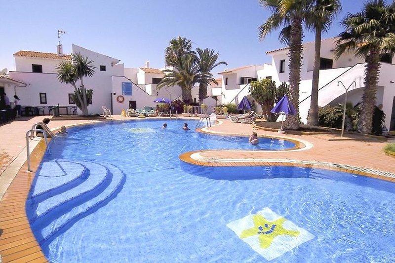 Hotel Puerto Caleta in Caleta de Fuste, Fuerteventura Pool