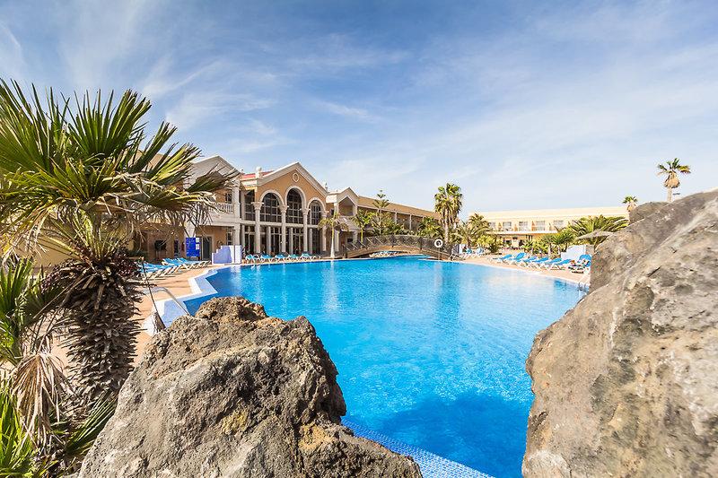 Coral Cotillo Beach in El Cotillo, Fuerteventura Pool