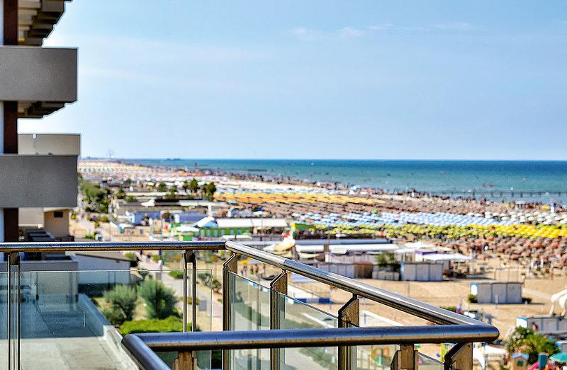 Hotel Ascot in Miramare di Rimini, Italienische Adria Außenaufnahme
